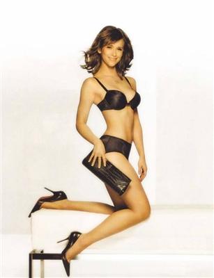 Jennifer Love Hewitts !!