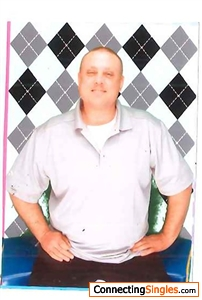 Hi I,m Brett my photo is kind of OLD , I,m getting more JUST ASK I,l Text to you Love Brett