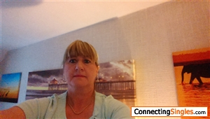 ellesmere divorced singles Ellesmere port england, hello i'm looking for friends i enjoy going out for a drink i also like going on holidays and camping i enjoy music i love my life and my granddaughters.