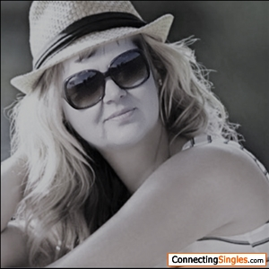 aveiro single women Welcome to muzmatch, the website for connecting with new people in aveiro online meeting new people can be challenging at times, especially if you're new to a place, but we're here to help you make it work.