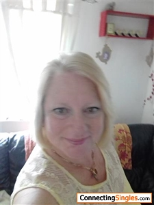 camberley singles & personals Camberley mature online dating website for single men and women over 40, over 50, over 60 in camberley and the local area.