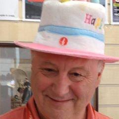 Birfday hat.