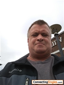 Hi this is Chris looking for someone that likes the outdoors love spending quality time.together very romantic and passionate caring and loving and devote my time and shower with love