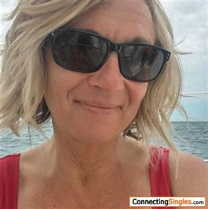 BlondeStranger Photos