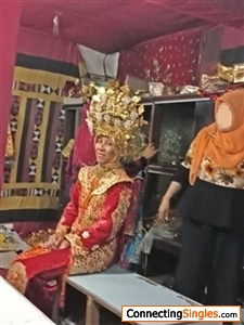 In Minangkabau (Padang - West Sumatera) Traditional Dress (Taken in 2018)