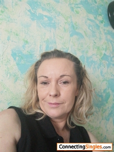 Kind caring lady looking for a nice caring man