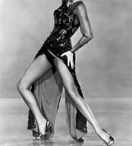 This lady went Singin' in the Rain and then jumped on the Band Wagon with Fred Astaire. She even went to Brigadoon with Gene Kelly