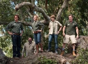 Starring Matt Damon. Very cute family movie. It is based on a true story.