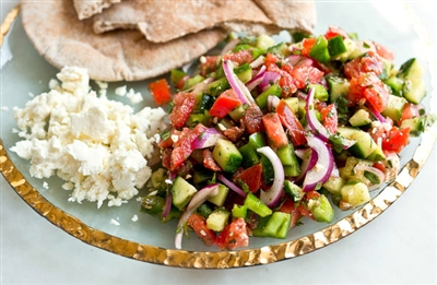 Çoban Salatasi - Shepperd's salad